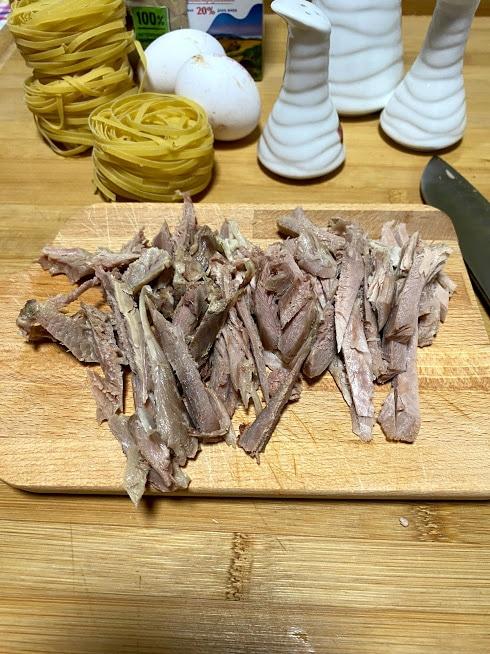 Фото рецепта - Запеканка из индейки с пастой и шпинатом - шаг 3