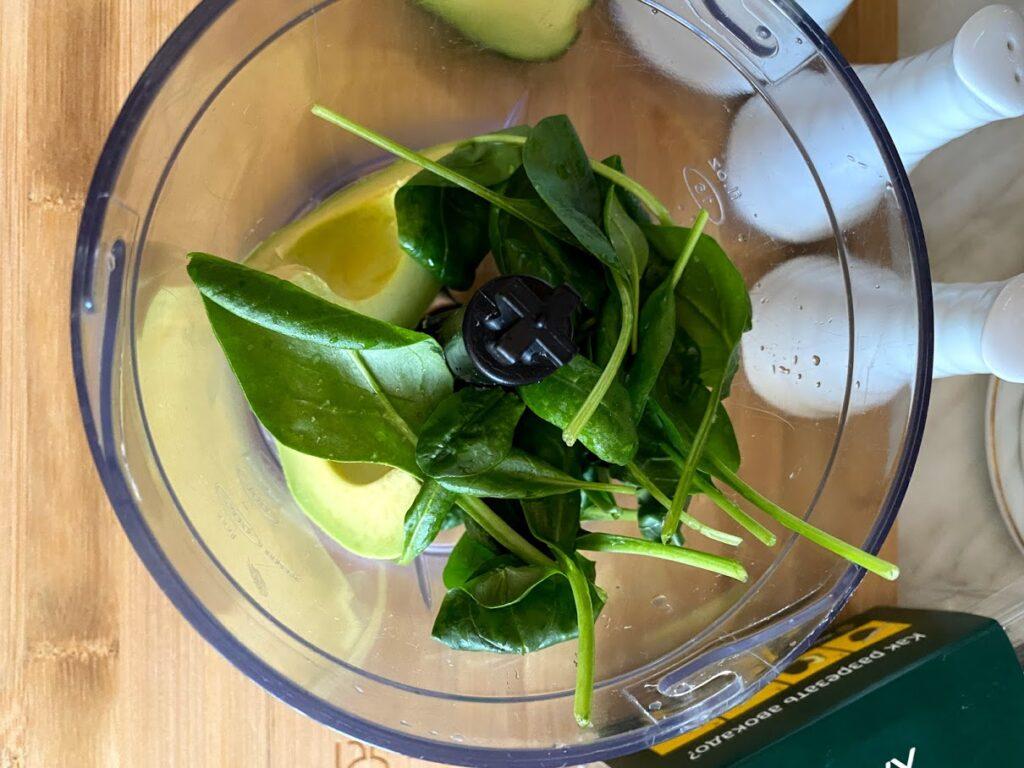 Фото рецепта - Яйца, фаршированные авокадо и шпинатом - шаг 4