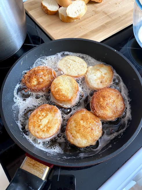 Фото рецепта - Гренки на завтрак - шаг 7