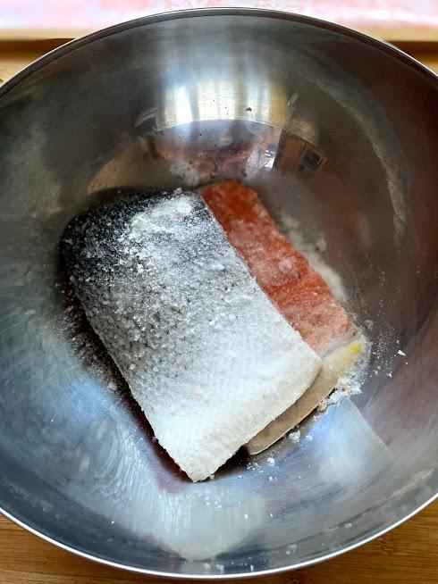 Фото рецепта - Лосось слабосоленый (как засолить рыбу) - шаг 5