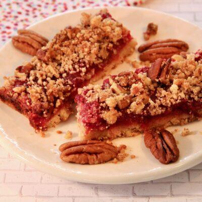 Пирог с клюквой на миндальной муке - рецепт с фото