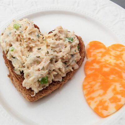 Салат из курицы с эстрагоном - рецепт с фото