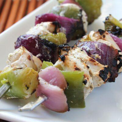 Маринованный куриный шашлык по-гречески - рецепт с фото