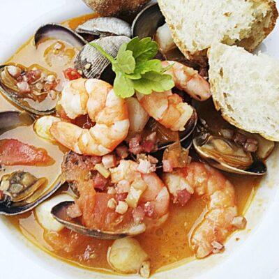 Средиземноморский суп из морепродуктов - рецепт с фото