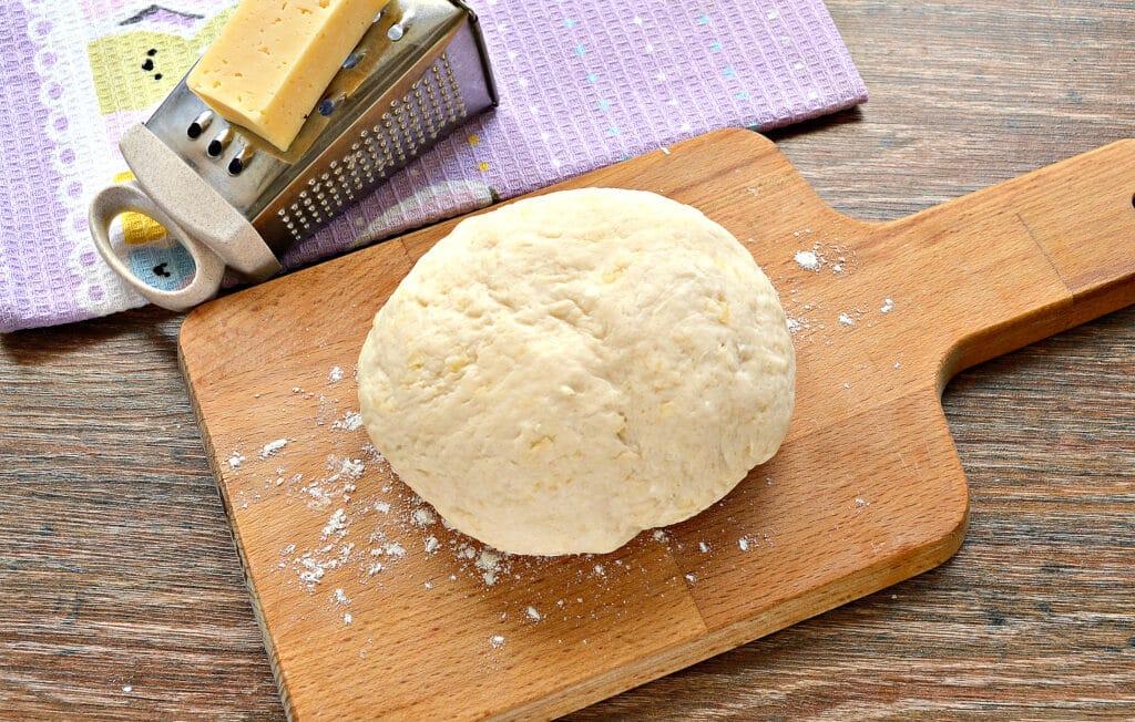 Фото рецепта - Лепешки на кефире с сыром на сковороде - шаг 1