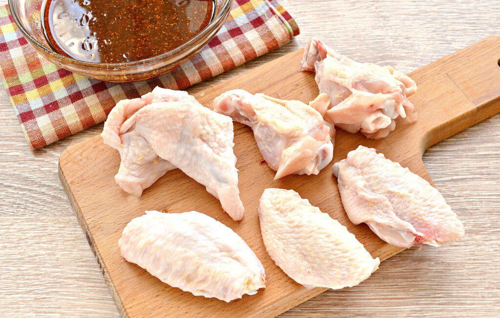 Фото рецепта - Куриные крылышки с румяной корочкой в сковороде гриль-газ - шаг 2