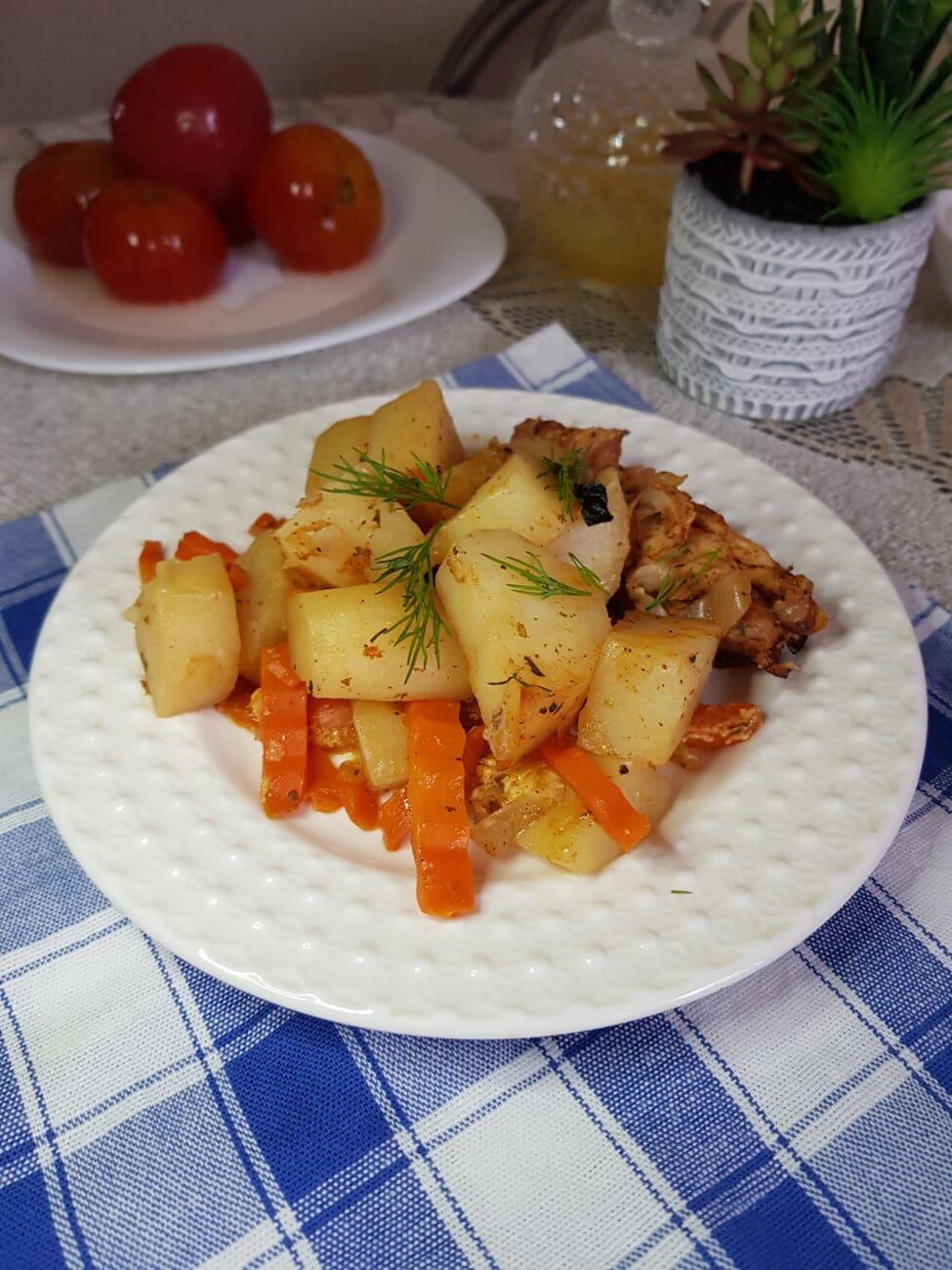 Куриное мясо с овощами в рукаве