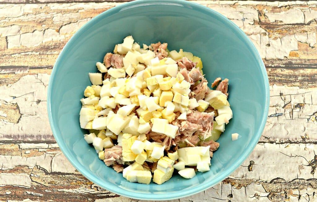 Фото рецепта - Картофельный салат со свининой и огурцами - шаг 3