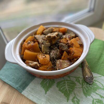 Запеченная тыква с индейкой в медовом соусе - рецепт с фото