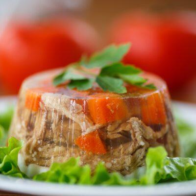 Заливное из курицы с овощами - рецепт с фото