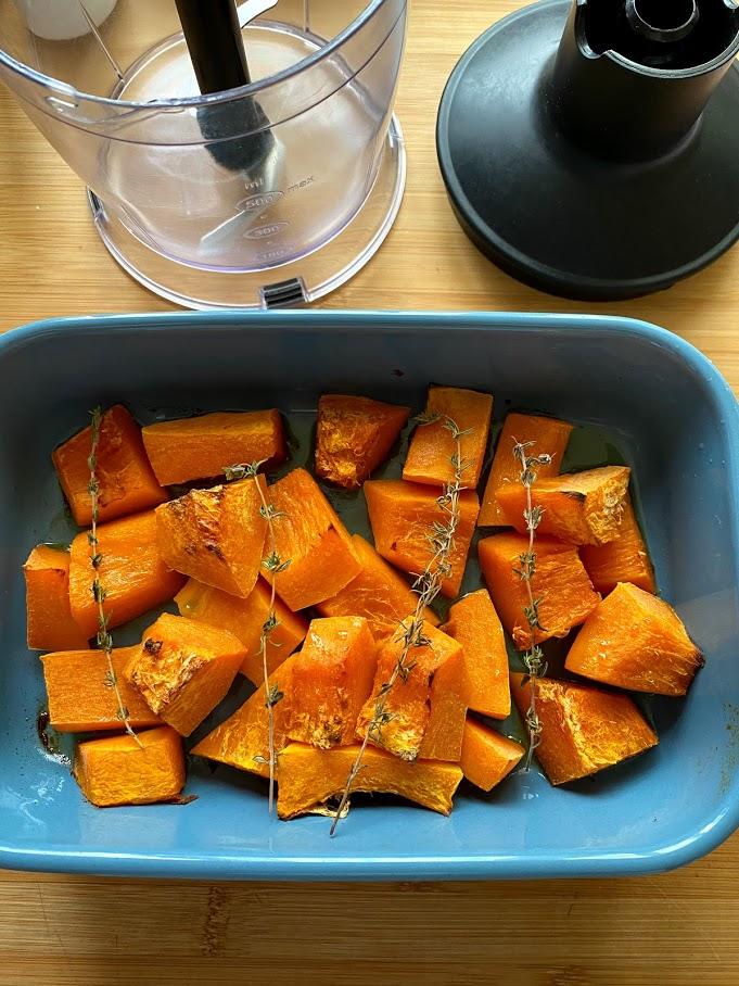 Фото рецепта - Крем-суп из печёной тыквы - шаг 6