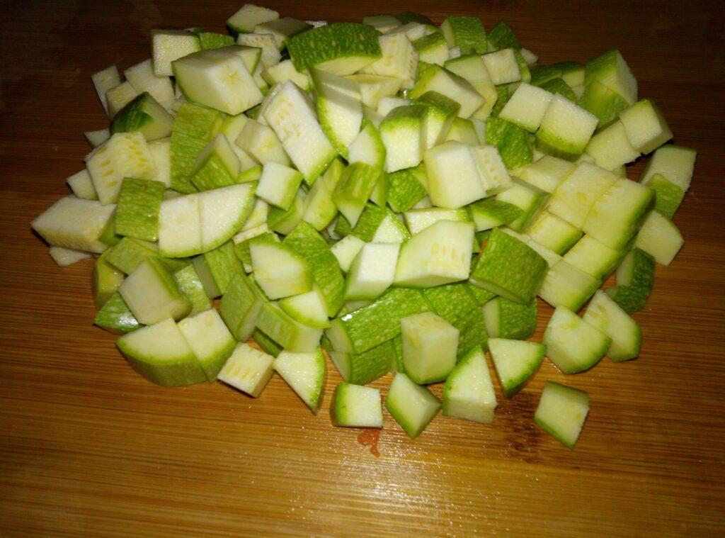 Фото рецепта - Овощная запеканка из баклажанов, кабачков и цветной капусты - шаг 4