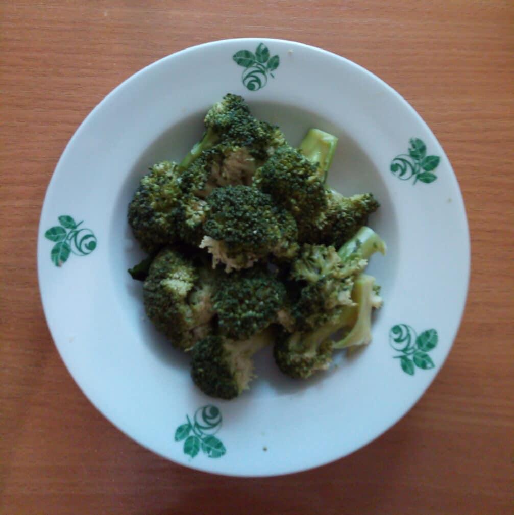 Фото рецепта - Запеканка из цветной капусты, брокколи и сосисок - шаг 2