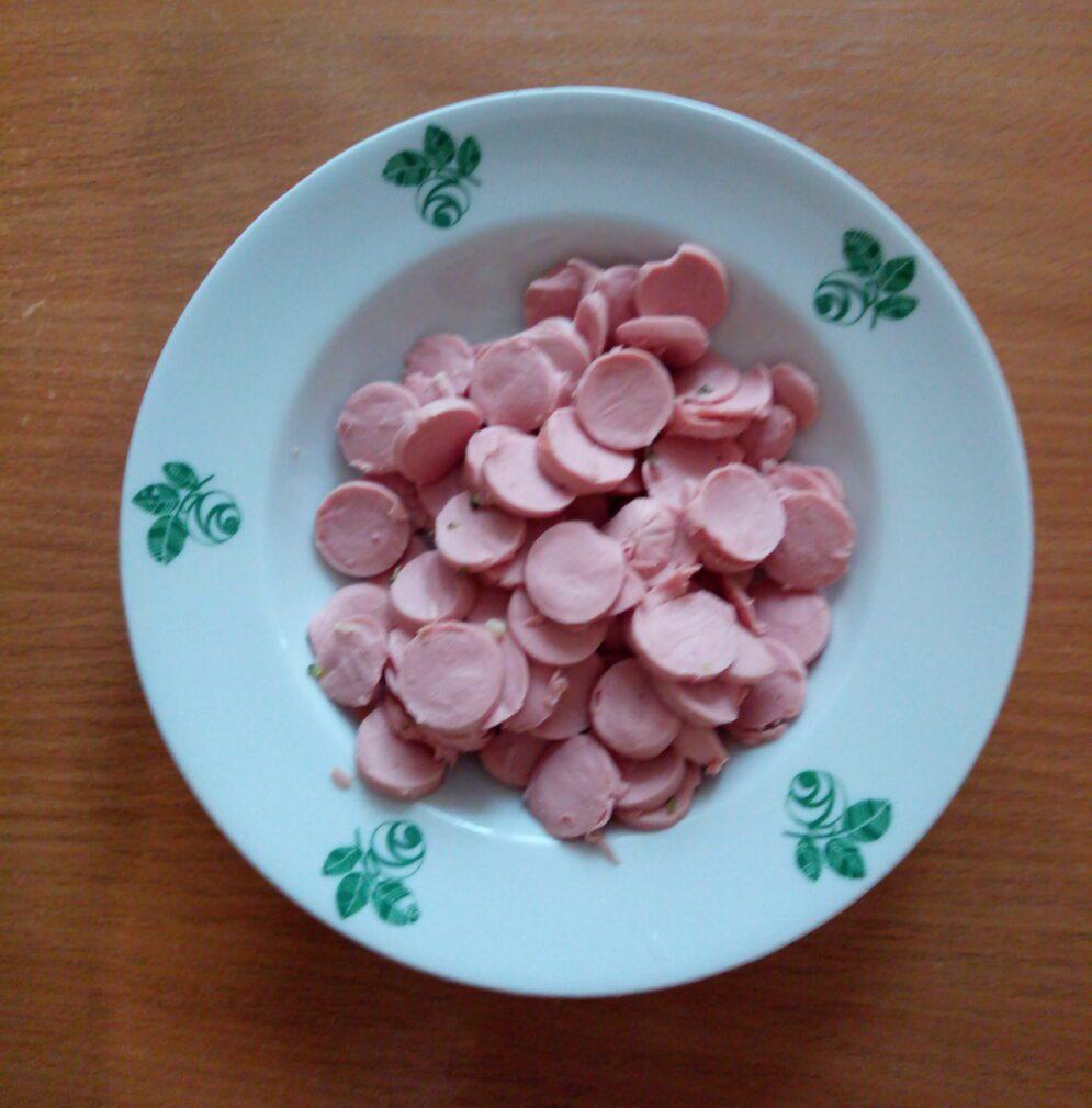 Фото рецепта - Запеканка из цветной капусты, брокколи и сосисок - шаг 3