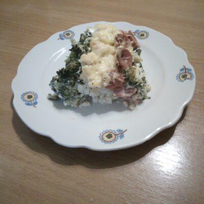 Запеканка из цветной капусты, брокколи и сосисок - рецепт с фото
