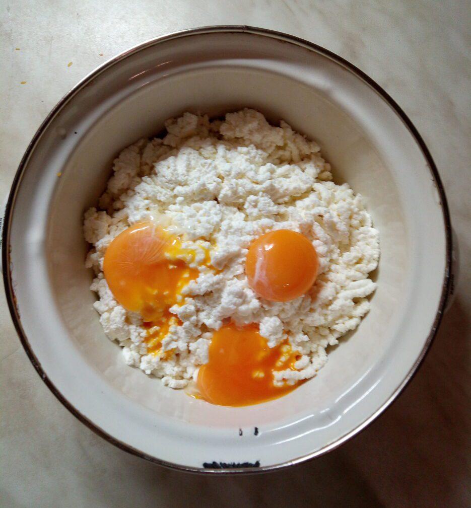 Фото рецепта - Творожная запеканка с тыквой - шаг 2