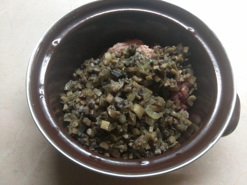Фото рецепта - Каннеллони, фаршированные свининой и шампиньонами - шаг 3
