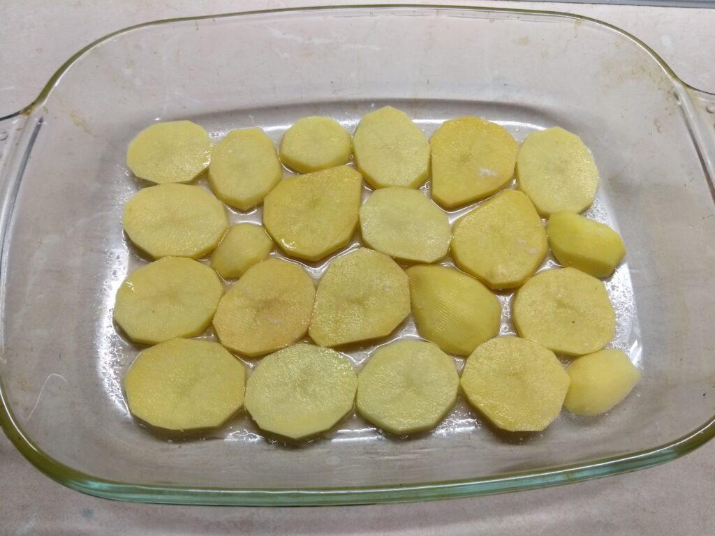 Фото рецепта - Картофельная запеканка с фаршем и грибами - шаг 5