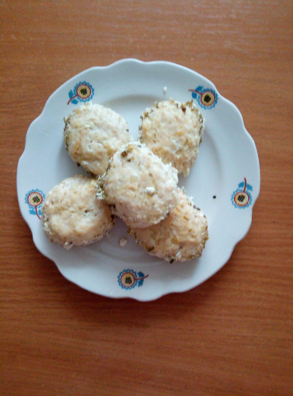 Котлеты из куриного филе и картофеля под сливочным соусом