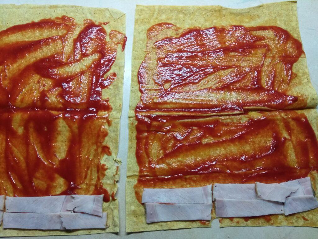 Фото рецепта - Роллы с бужениной, оливками и пармезаном - шаг 2