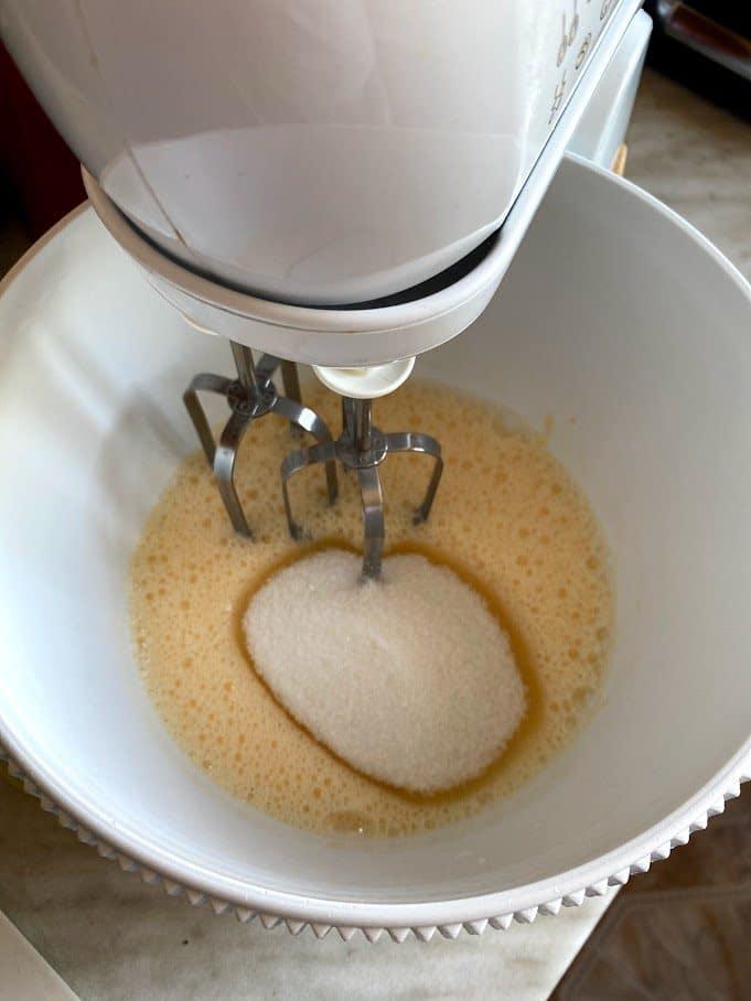 Фото рецепта - Творожный кулич - шаг 3