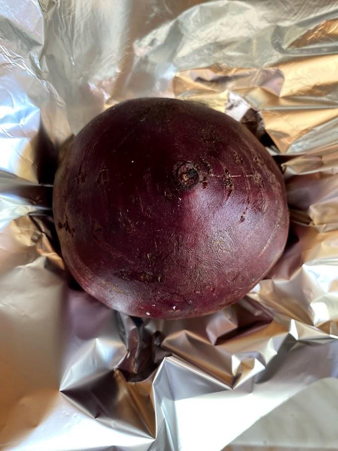 Фото рецепта - Салат из печеной свеклы - шаг 2