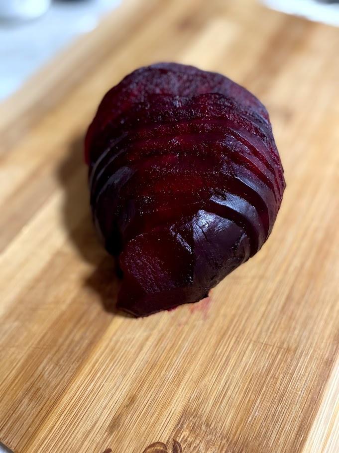 Фото рецепта - Салат из печеной свеклы - шаг 7