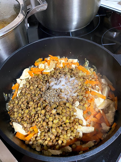 Фото рецепта - Густой суп из чечевицы и индейки - шаг 8