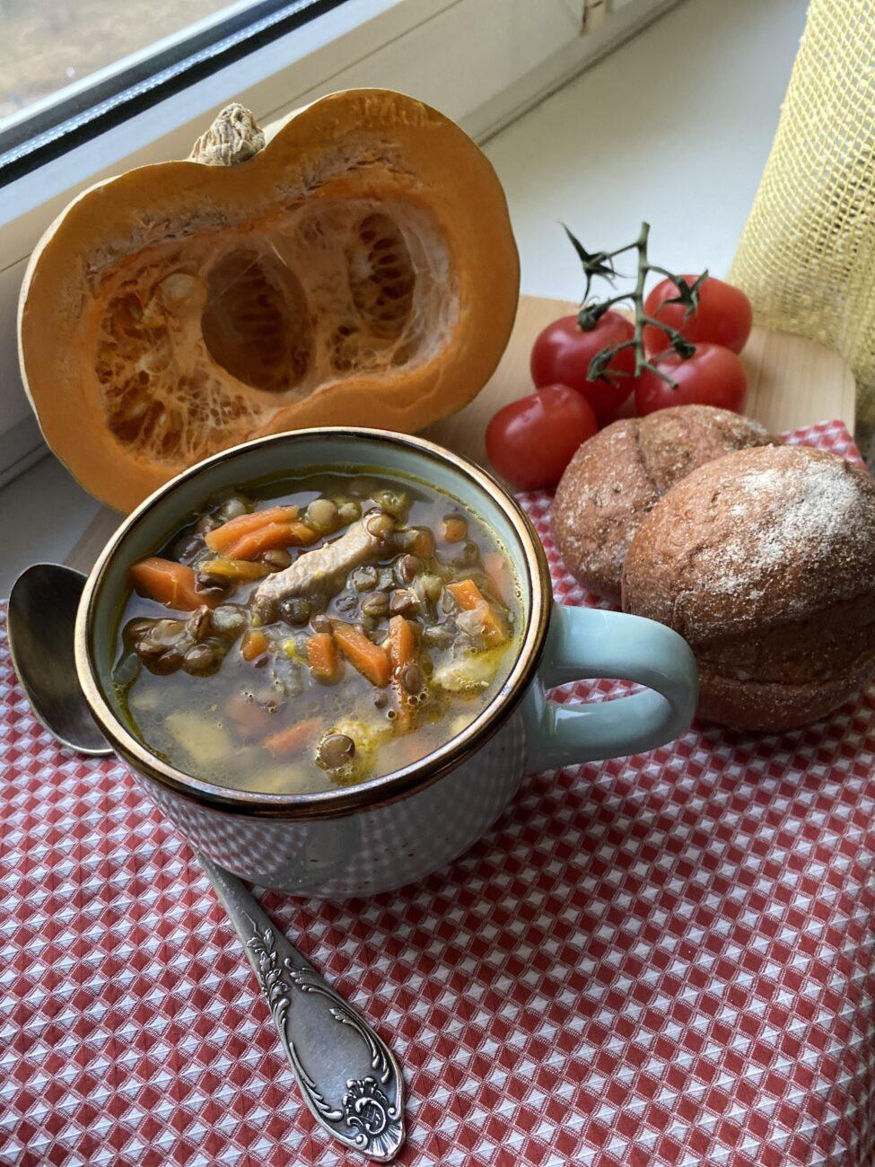 Густой суп из чечевицы и индейки