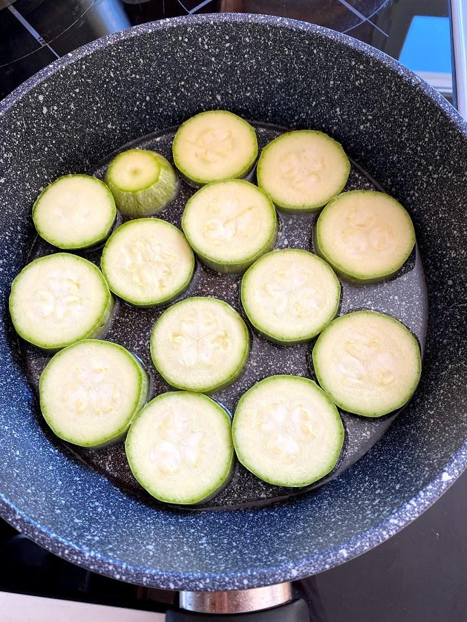 Фото рецепта - Кабачки с чесноком - шаг 3