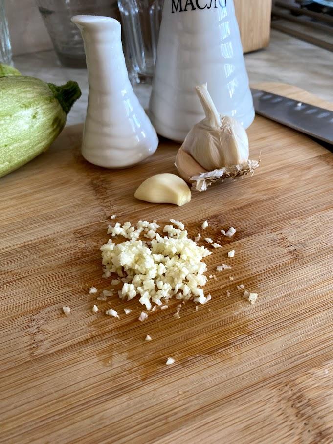Фото рецепта - Кабачки с чесноком - шаг 4