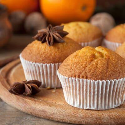 Апельсиновые кексы на кислом молоке - рецепт с фото