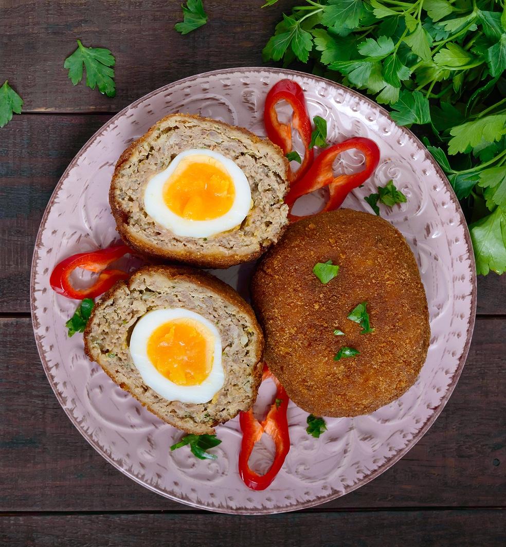 Мясные котлеты с яйцом внутри