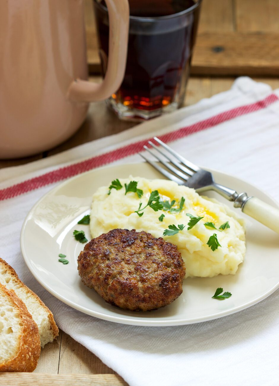 Мясные котлеты с картофельным пюре