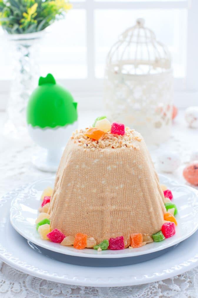 Фото рецепта - Пасха из творога со сгущенным молоком, орешками и и цукатами - шаг 7