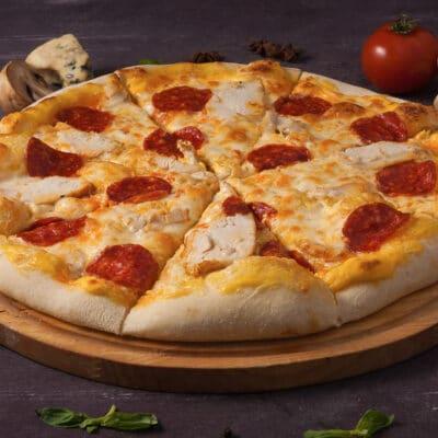 Пицца на сковороде за 10 минут - рецепт с фото