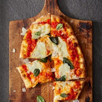 Пицца Маргарита - рецепт с фото