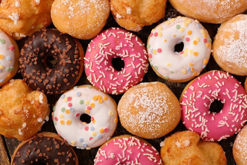 Фото рецепта - Пончики классические (жареные) - шаг 6