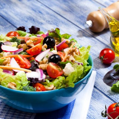 Легкий ПП салат с тунцом - рецепт с фото