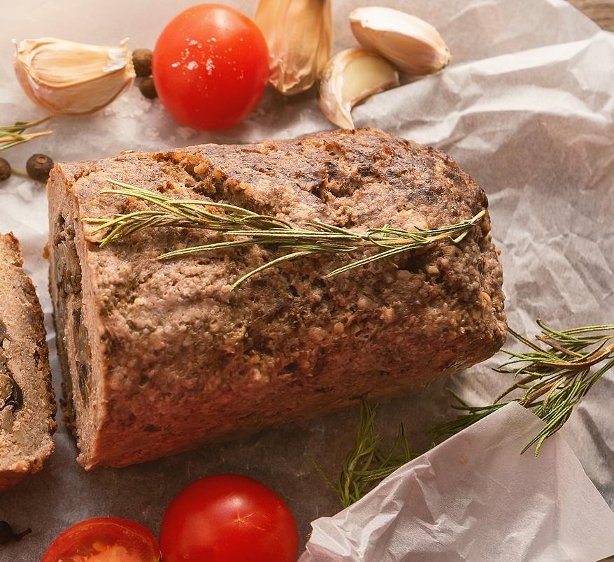 Фото рецепта - Рулет из говядины с грибами - шаг 7