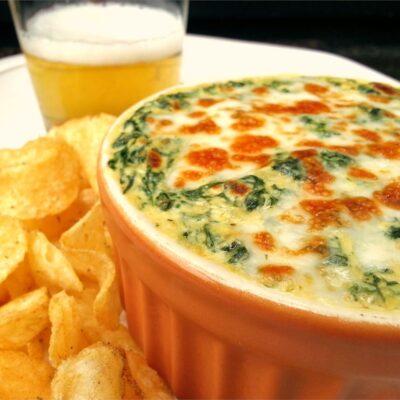 Сливочный сырный соус со шпинатом - рецепт с фото