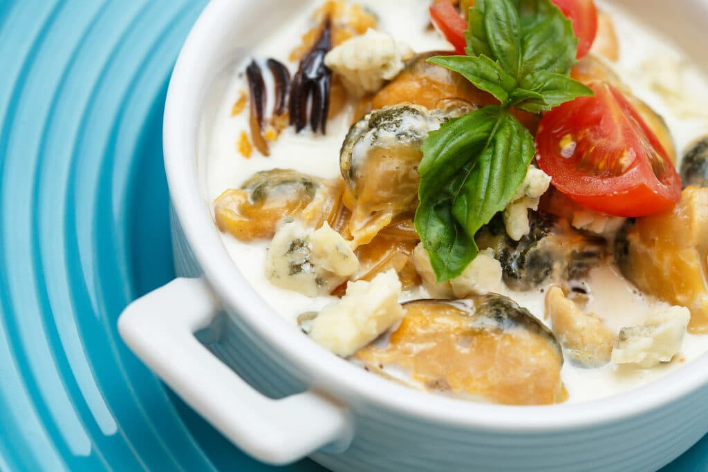 Фото рецепта - Крем-суп из морепродуктов - шаг 7