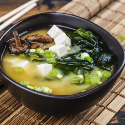 Мисо суп с водорослями и тофу - рецепт с фото