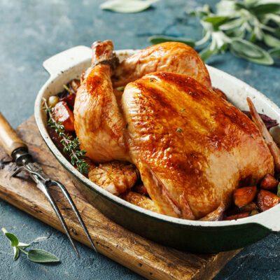 Запеченная курица в духовке - рецепт с фото