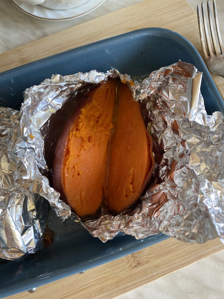 Фото рецепта - Жареный морской окунь с бататом - шаг 8