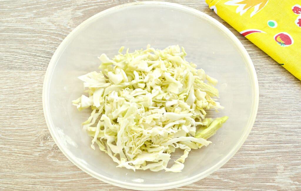 Фото рецепта - Капустный салат со сладким соусом - шаг 1