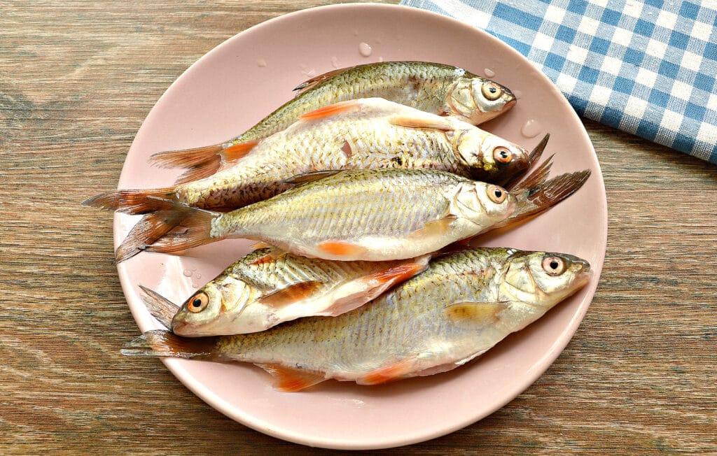 Фото рецепта - Рыба, жаренная в панировке на сковороде - шаг 1
