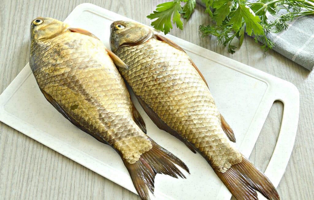 Фото рецепта - Жареные караси в специях на сковороде - шаг 1