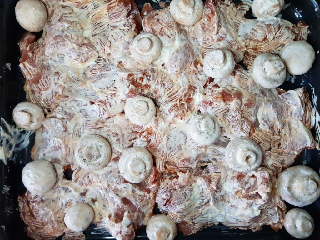 Фото рецепта - Куриные бёдрышки без кости в духовке - шаг 4