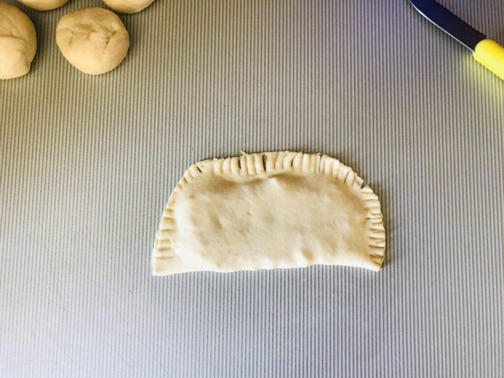 Фото рецепта - Сочные чебуреки с говядиной - шаг 7